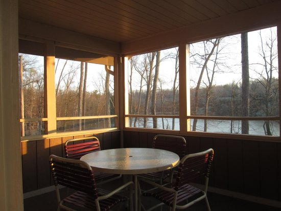 Pennyrile Forest State Resort Lodge : the screened in porch