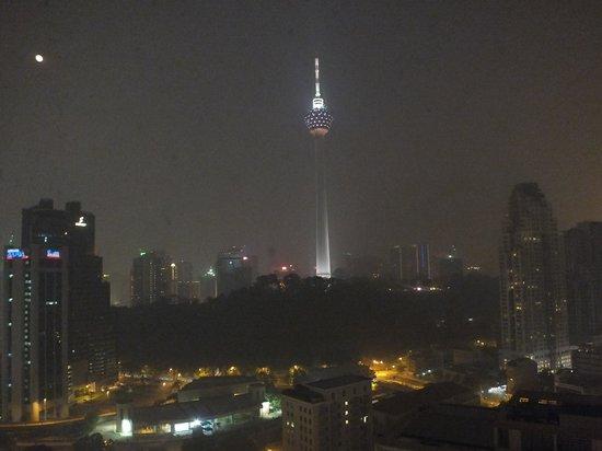 Sheraton Imperial Kuala Lumpur Hotel: Menera view from hotel