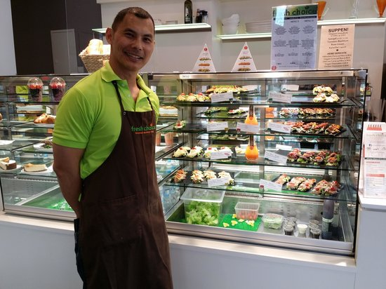Fresh Choice: Dave at your service with a smile