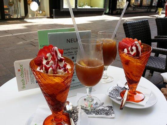 Fresh Choice: Yogurt and apple mint ice tea