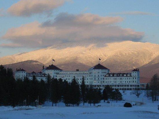 Omni Mount Washington Resort: resort facade, winter