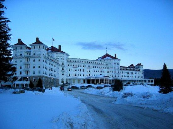 Omni Mount Washington Resort: facade, winter time