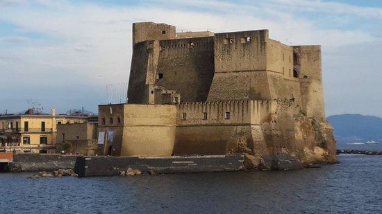 Grand Hotel Vesuvio : Castel dell'Ovo