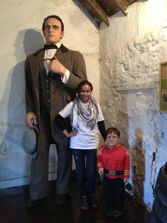 Giant Angus Macaskill Museum: nice to meet you giant