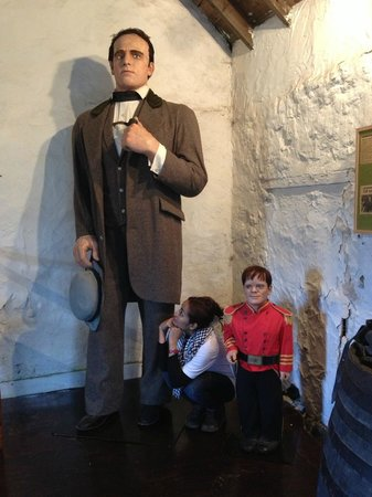 Giant Angus Macaskill Museum: how about the weather top?
