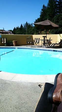 BEST WESTERN Dry Creek Inn: Pool