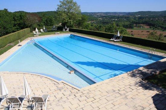 Château de Mercuès : Une grande piscine