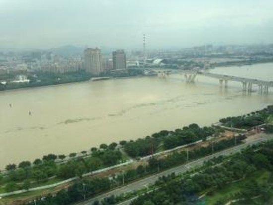 Shangri-La Hotel Guangzhou : view from room