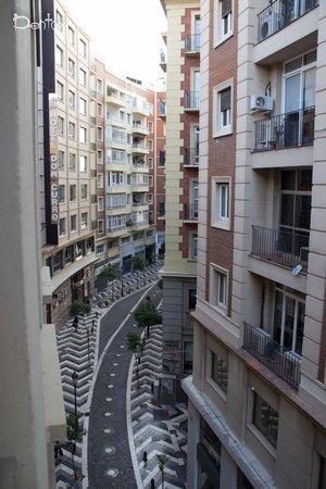 Victoria Hostal Malaga: Вид из номера