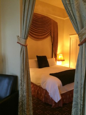 Geiser Grand Hotel: two room suite