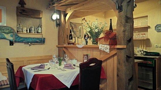 Alp Penzion: taverna