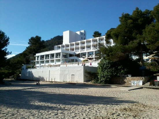 Marconfort El Greco Hotel : Hotel from beach