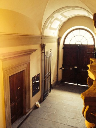 Hotel Palazzo Guadagni: Entrance doors