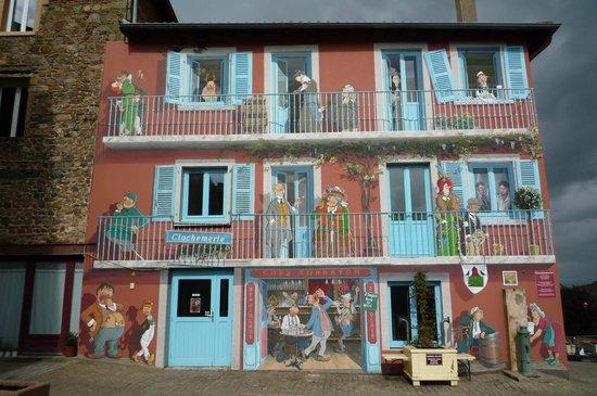 Auberge de Clochemerle : la fresque de Clochemerle inspirée de Dubout