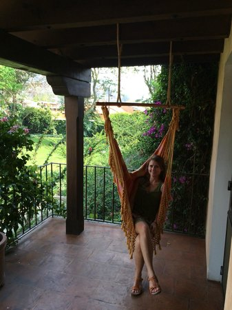 Hotel Museo Spa Casa Santo Domingo: private balcony with hammock