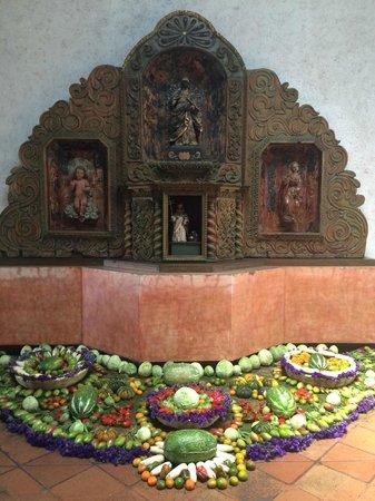 Casa Santo Domingo: altar in hotel lobby