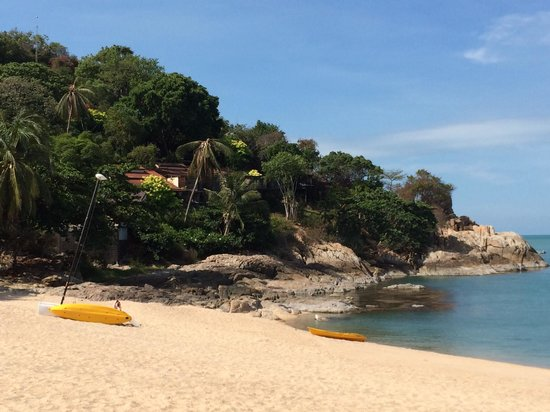 The Tongsai Bay : View of the beach, part of the garden and cottages