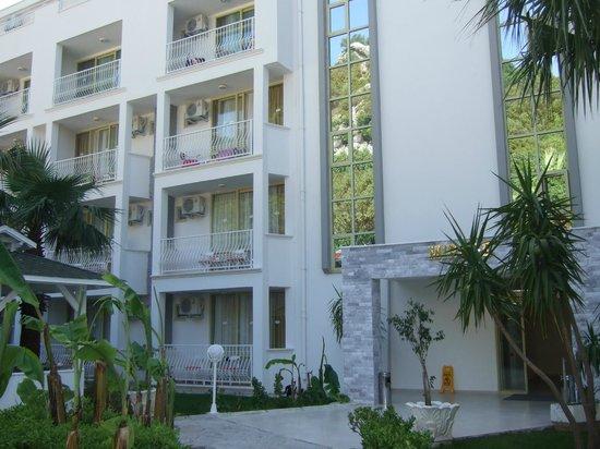Mirage World Resort Hotel: Acommodation Block