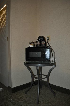 Doubletree Houston Intercontinental Airport : microwave