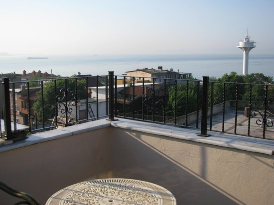 Tashkonak Hotel: Blick von Dachterrasse