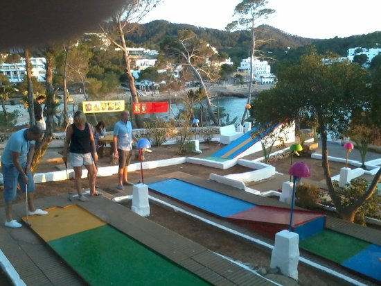 Crazy golf at Jardin del Mar