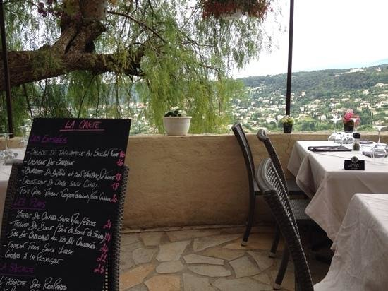 Hostellerie Les Remparts : Lunch menu with a view