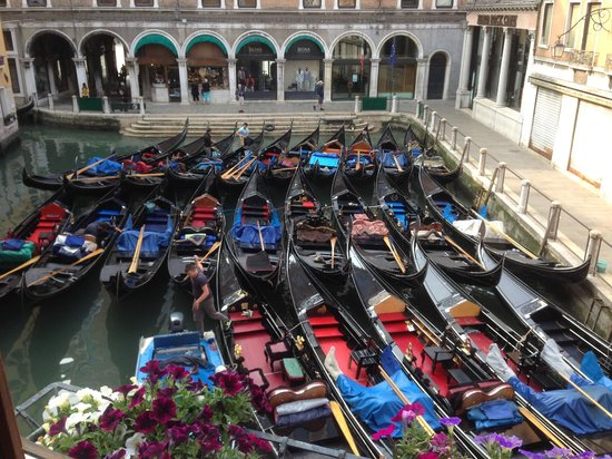 Cavalletto & Doge Orseolo : Gondolas waiting for the day - view from the 'Canal view' room