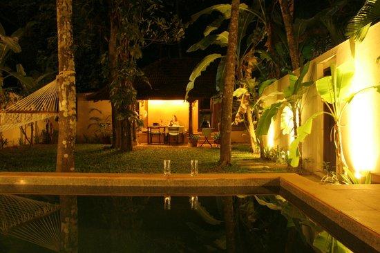 Marari Villas: The outside of the villa- private garden