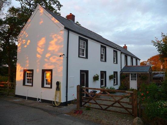 Knock Farm: Farm house entrance