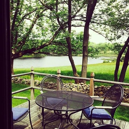 Inn at Fox Hill Farm: Morning view on your private deck.