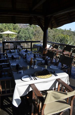 Makweti Safari Lodge : Breakfast after the game drive