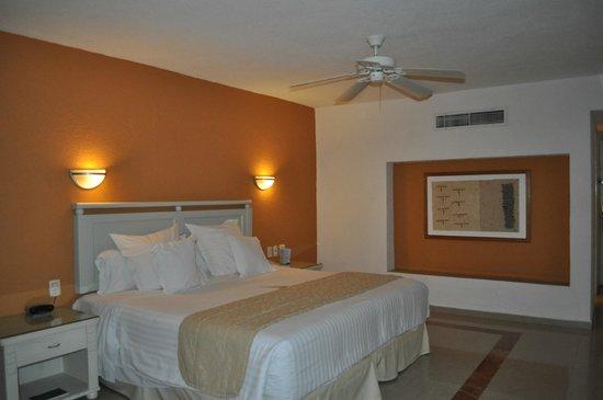Occidental Costa Cancun: spacious room
