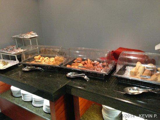 Leonardo Hotel Granada: Buffet du petit déjeuner