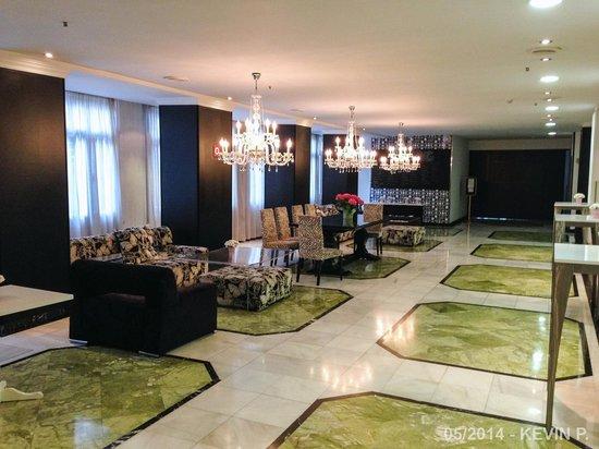 Vincci Granada Hotel: Salon au 1er étage