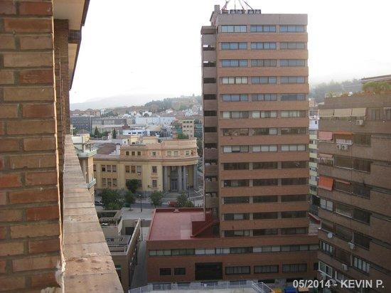 Leonardo Hotel Granada: Vue de la chambre