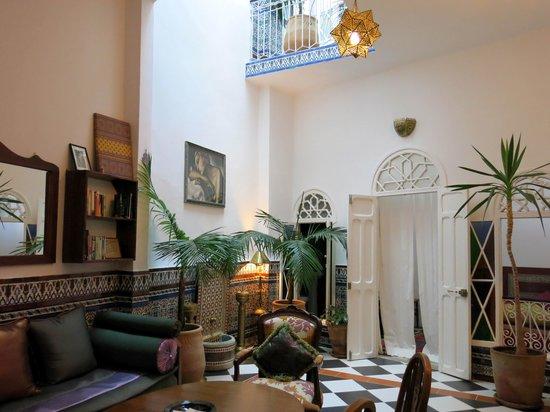 Dar Nakhla Naciria: 1st floor living room