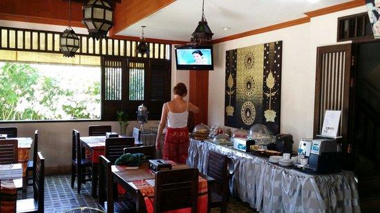Baan Andaman Hotel Bed & Breakfast: Breakfast area