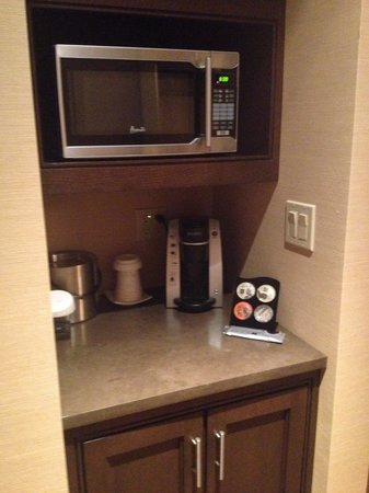 The Pearl Hotel: Mini kitchenette