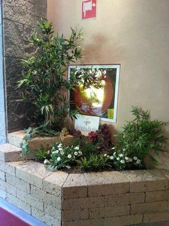 """Hotel Chalet del Lago """"La Libellula"""": entree de l'hotel"""