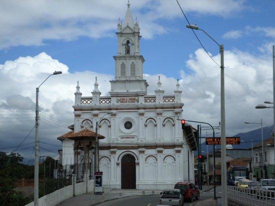Casa de las Rosas: Churches galore