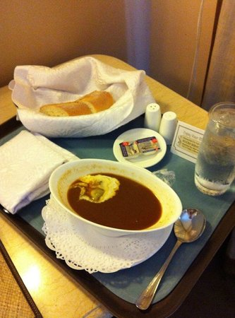 The Manila Hotel: Room service (too bad it tasted bad)