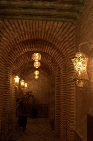 Riad & Spa Mabrouk : the hallway
