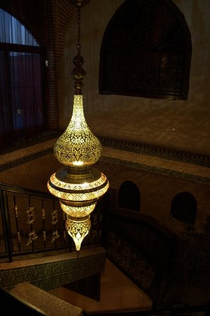 Riad & Spa Mabrouk : beautifully decorated lampshades
