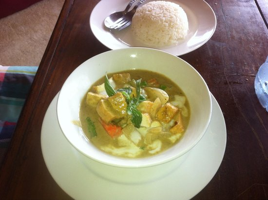 A.M.D Restaurant: Green curry with tofu ordered 4 times in 5 days! The best green curry ever tasted and the tofu w