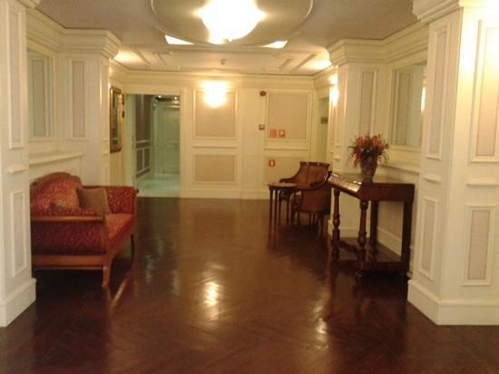 Catalonia Las Cortes: Lobby on 4th Floor