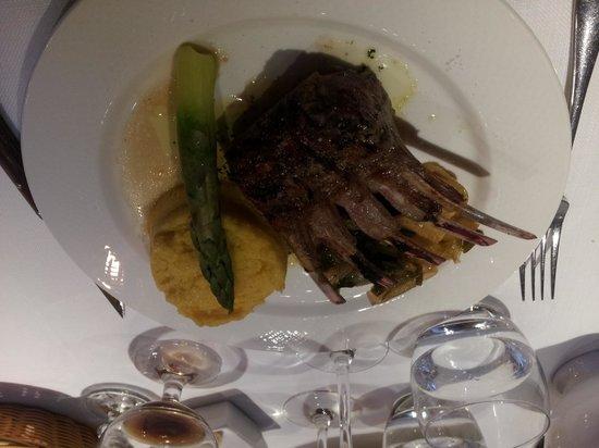 Restaurant L'Impossible : Succulent lamb rack