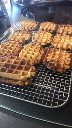 Wafels & Dinges: Liege waffles - hmmm...