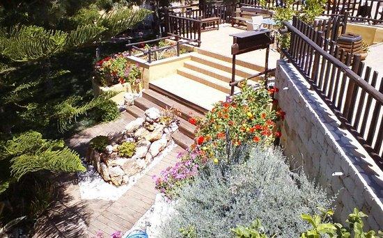 Kreta Natur: Grounds, designed & built by the host.