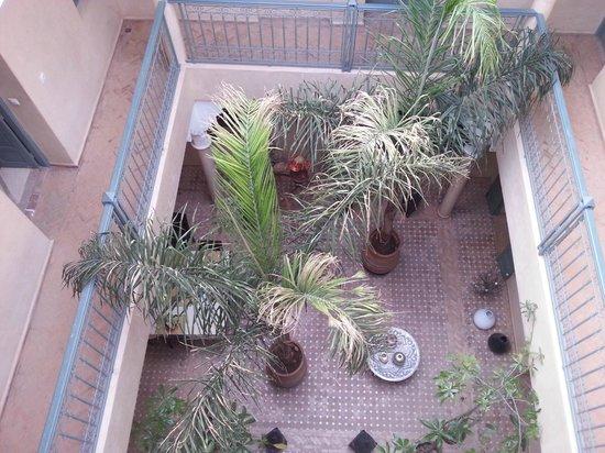 Riad Kerdouss: vue du patio depuis la terrasse