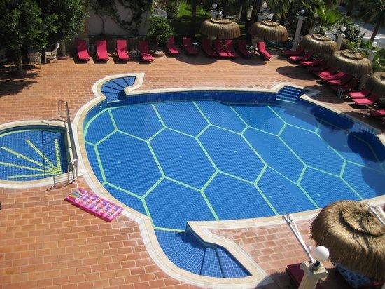 smartline Flamingo : The Flamingo - the terrace pool